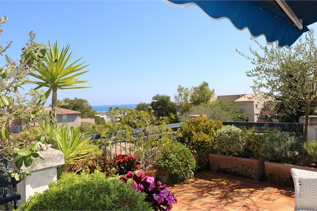 2 bed apartment for sale in Provence-Alpes-Côte D'azur, Alpes-Maritimes, Antibes