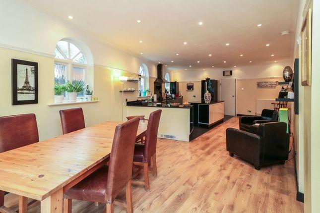 Kitchen/Diner of Moreland Way, London E4