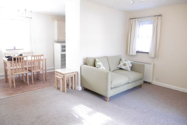 Thumbnail Flat to rent in Henry Road, Beeston