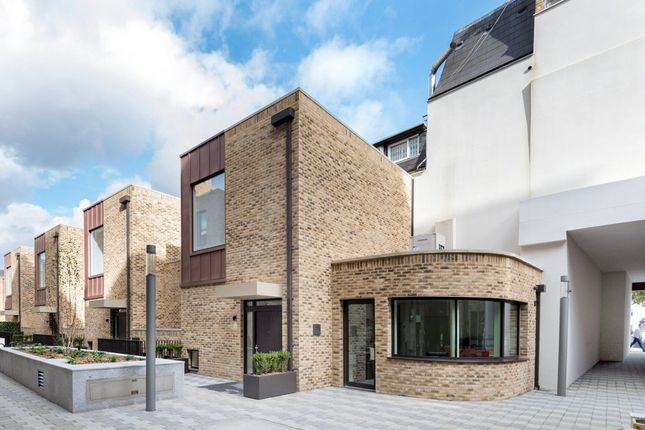 Thumbnail Mews house to rent in London, St Pancras