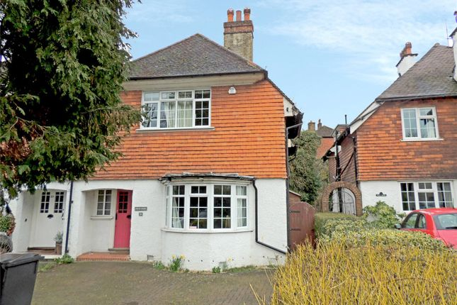 4 bed semi-detached house to rent in Old Lodge Lane, Purley CR8
