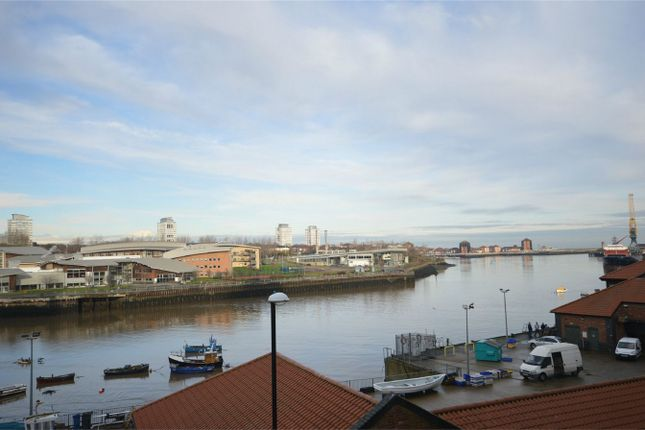 2 bed flat to rent in River View, Low Street, Sunderland, Tyne And Wear SR1