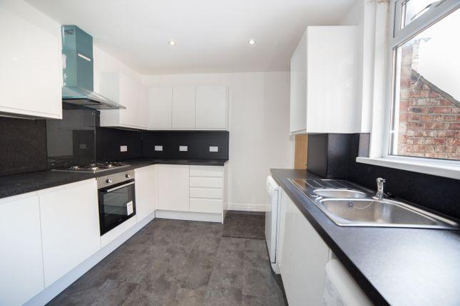 Thumbnail Maisonette to rent in Jesmond Road, Jesmond, Newcastle Upon Tyne