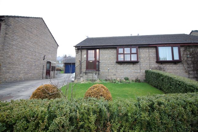 Thumbnail Bungalow to rent in The Acres, Addingham, Ilkley