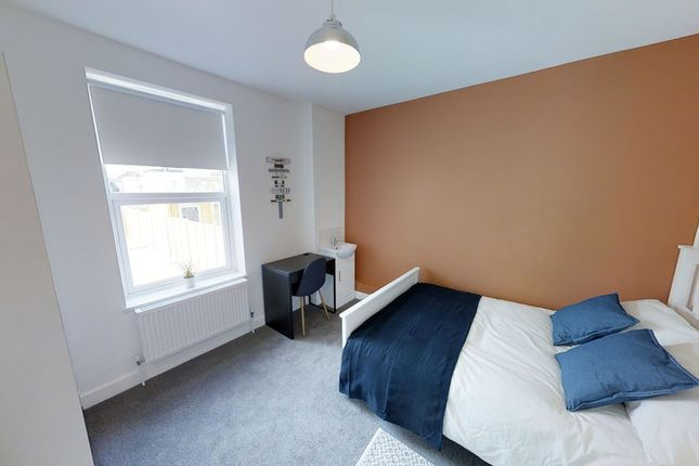 Shared accommodation to rent in Brandon Street, Gravesend
