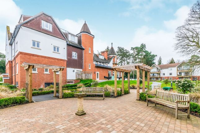 Thumbnail Flat for sale in Charters Village Drive, East Grinstead