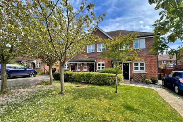Terraced house for sale in Siareys Close, Chinnor