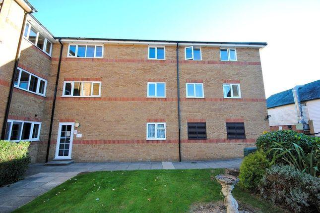 Thumbnail Flat to rent in Braziers Quay, Bishop`S Stortford, Hertfordshire
