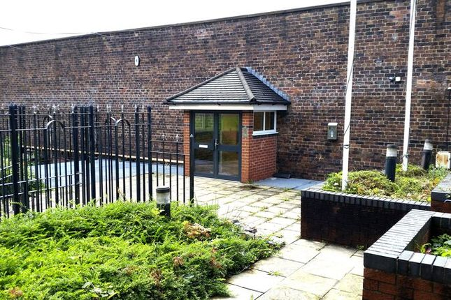 Thumbnail Office to let in West Heath Shopping Centre, Holmes Chapel Road, Congleton