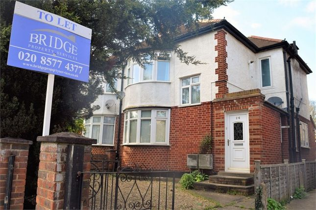 Thumbnail Maisonette to rent in Staines Road, Feltham