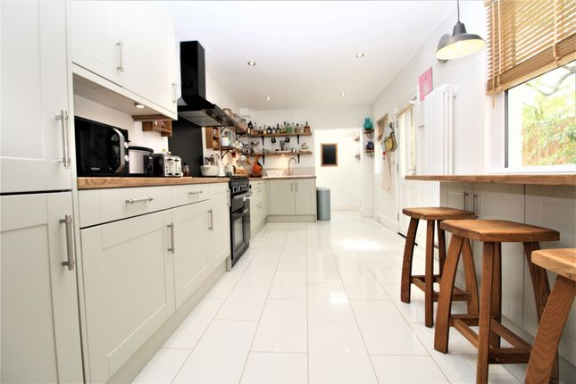 Thumbnail Detached house to rent in Maple Road, Penge