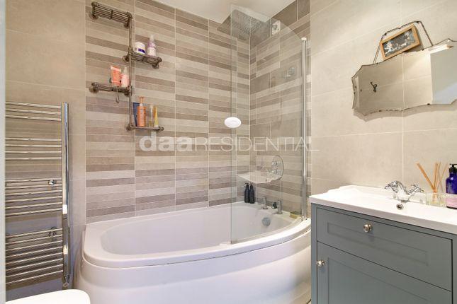 Bathroom of Chimney Court, 23 Brewhouse Lane, London E1W