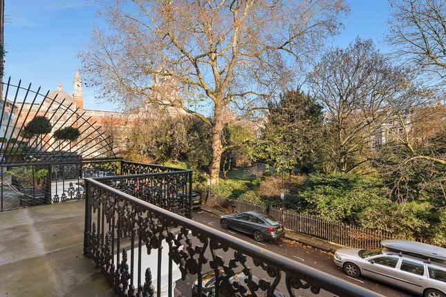 Picture No. 04 of Thurloe Square, London SW7