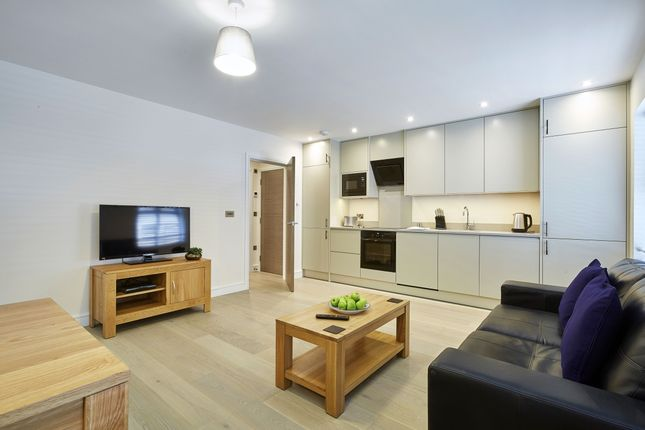 Thumbnail Flat to rent in Forlease Road, Maidenhead