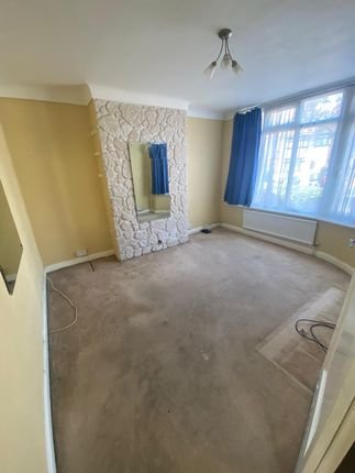 Thumbnail Detached house to rent in The Heights, Northolt, London