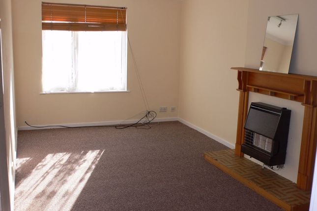 1 bed flat to rent in Worcester Avenue, Middleton, Leeds, West Yorkshire LS10