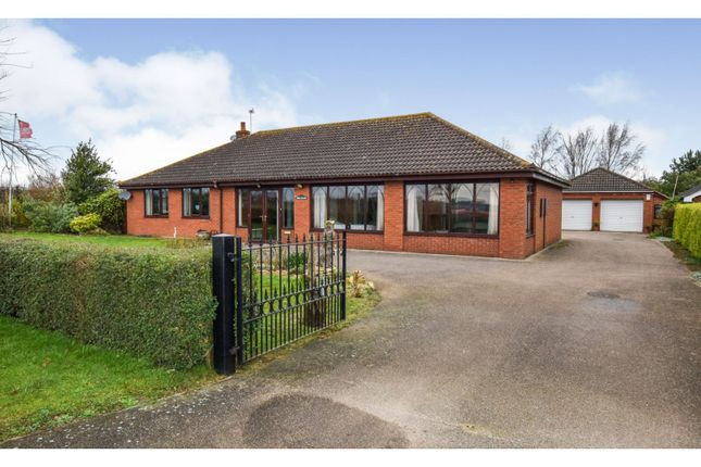 Thumbnail Detached bungalow for sale in Mill Road, Hibaldstow