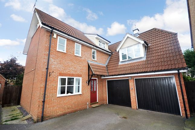 Thumbnail Detached house for sale in Timbers Close, Great Notley, Braintree