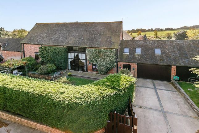 4 Bed Barn Conversion For Sale In Fisherwick Road