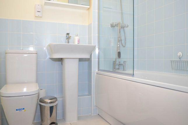 Bathroom of Martingale Chase, London Road, Newbury RG14