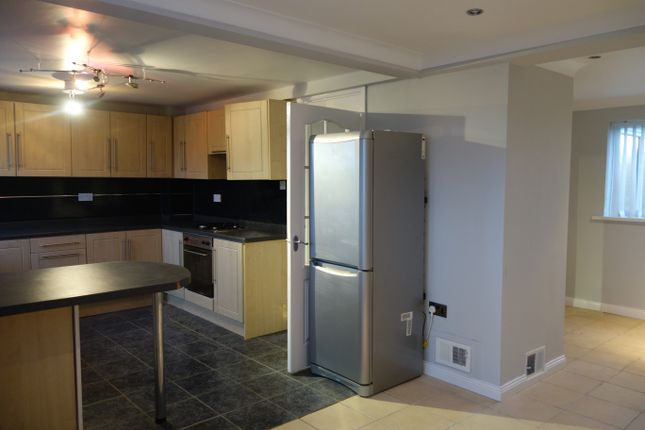 Thumbnail Maisonette to rent in Snowdon Place, Peterlee