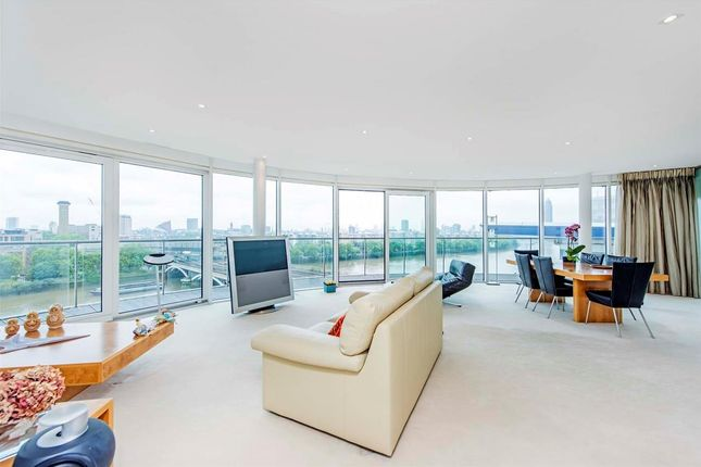 Flat for sale in Centurion Building, Chelsea Bridge Wharf, London