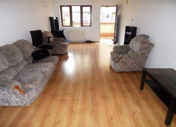 Thumbnail Flat to rent in Pavan Court, Sceptre Road, Bethnal Green