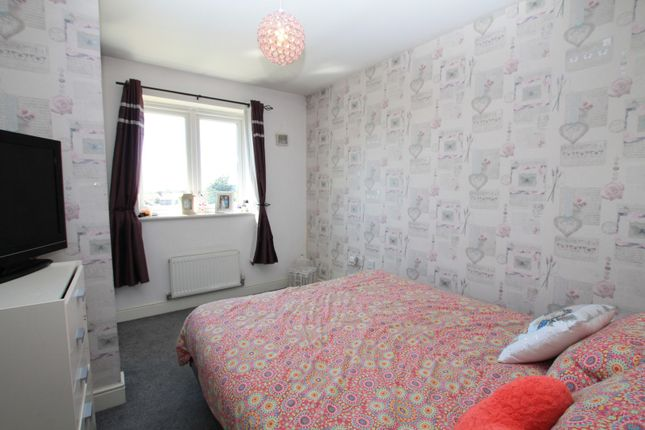Bedroom of Mellowes Road, Hornchurch RM11