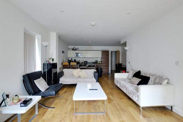 Thumbnail Semi-detached house to rent in Park Lodge Avenue, West Drayton