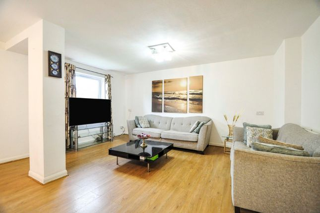 Thumbnail Flat to rent in Friern Park, North Finchley