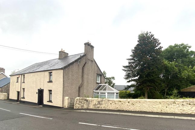 Thumbnail Detached house for sale in High Street, Llangadog