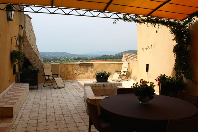 5 bed town house for sale in Sablet, Vaucluse, Provence-Alpes-Côte D'azur, France