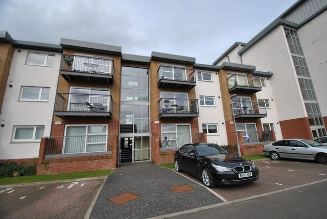 Thumbnail Flat to rent in Scapa Way, Stepps, Glasgow, Lanarkshire G33,