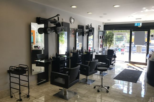 Unisex Hair Salon Which Benefits From One Of The Best Locations Outside Of West Ferry