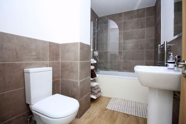 En-Suite of 46, Peartree Avenue, Southampton SO19