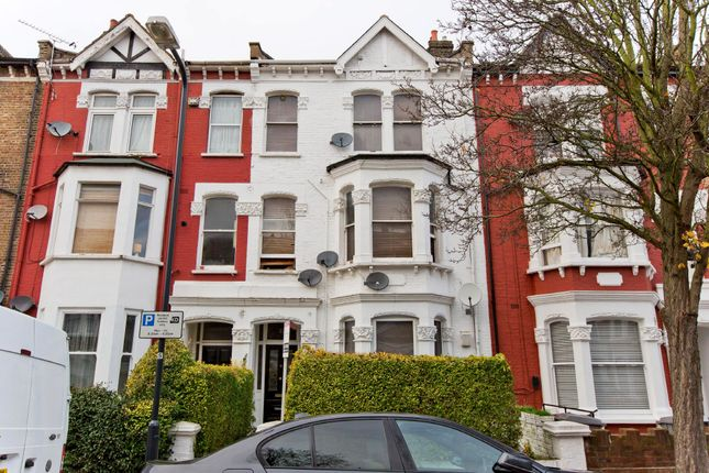 Thumbnail Studio to rent in Burton Road, London