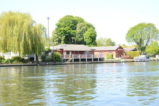 Thumbnail Detached bungalow for sale in Wargrave Road, Henley-On-Thames, Oxfordshire