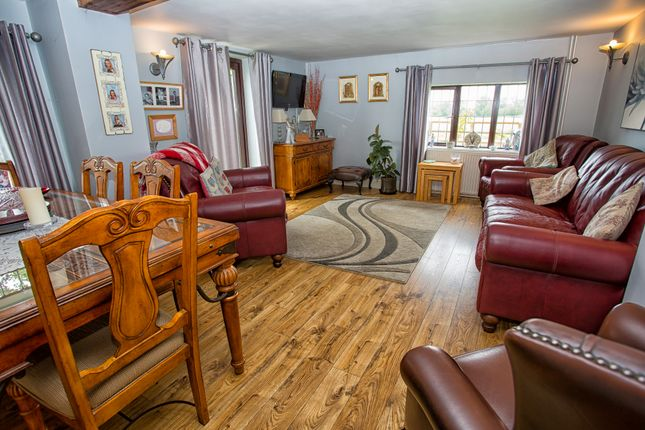Thumbnail Cottage for sale in Dunhill Lane, Hepworth, Diss