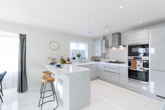 Thumbnail 5 bedroom detached house for sale in Hall Road, Rochford