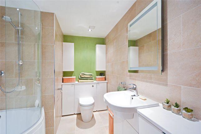 Bathroom of Hermitage Court, Knighten Street, London E1W