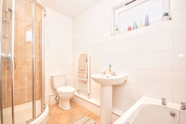 Family Bathroom of Player Green, Deerpark, Livingston EH54