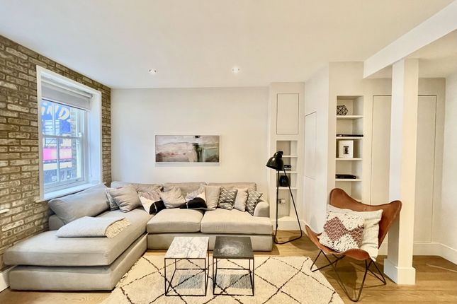 2 bed flat to rent in Drury Lane, Convent Garden, London WC2B