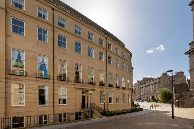 Thumbnail Flat for sale in 1/3 St Vincent Place, New Town, Edinburgh