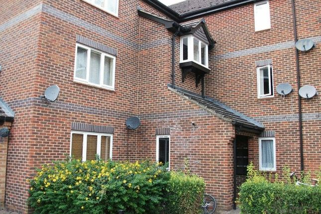 Flat to rent in Wensum Drive, Didcot