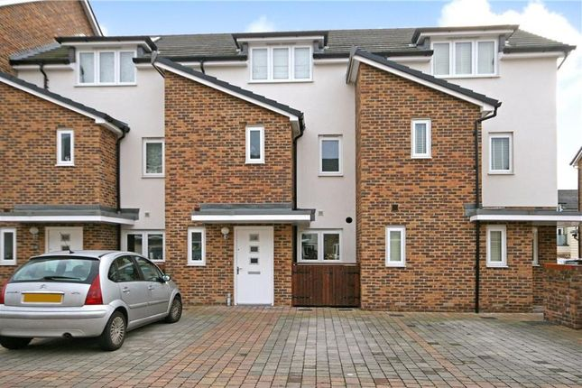 Thumbnail Terraced house to rent in Pyle Close, Addlestone