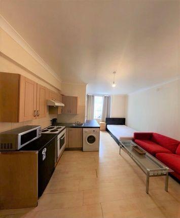 Thumbnail Studio to rent in Queensborough Terrace, Bayswater