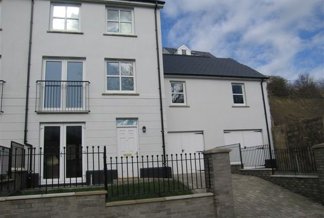 Thumbnail Town house for sale in Kensington Gardens, Haverfordwest, Pembrokeshire