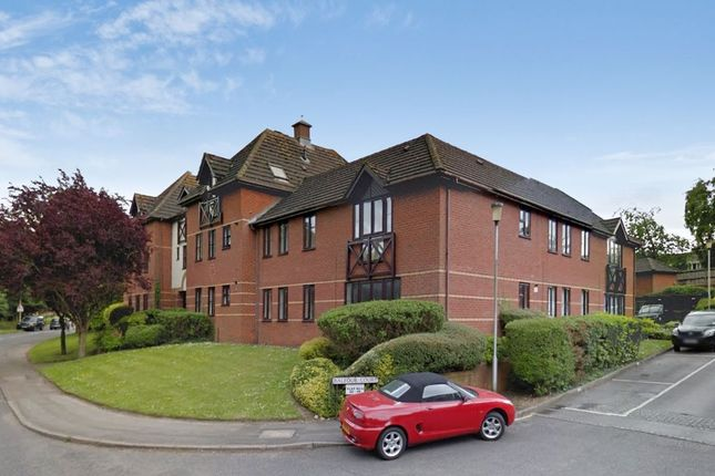 Thumbnail Flat to rent in Station Road, Harpenden