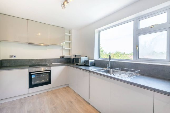 2 bed flat to rent in Bridgewater Road, Alperton, Wembley HA0