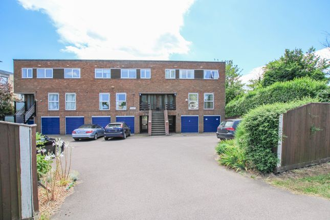 Thumbnail Flat for sale in Madingley Road, Cambridge